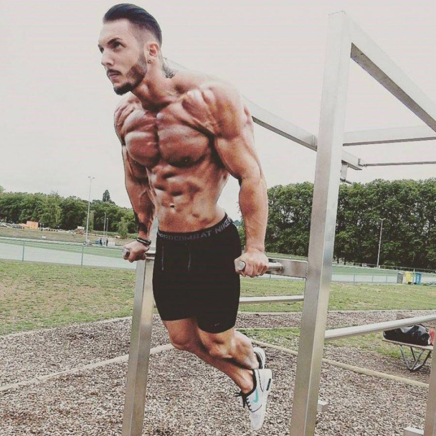 как быстро накачать мышцы груди