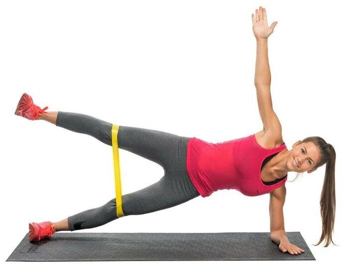 Упражнения с фитнес резинкой для женщин
