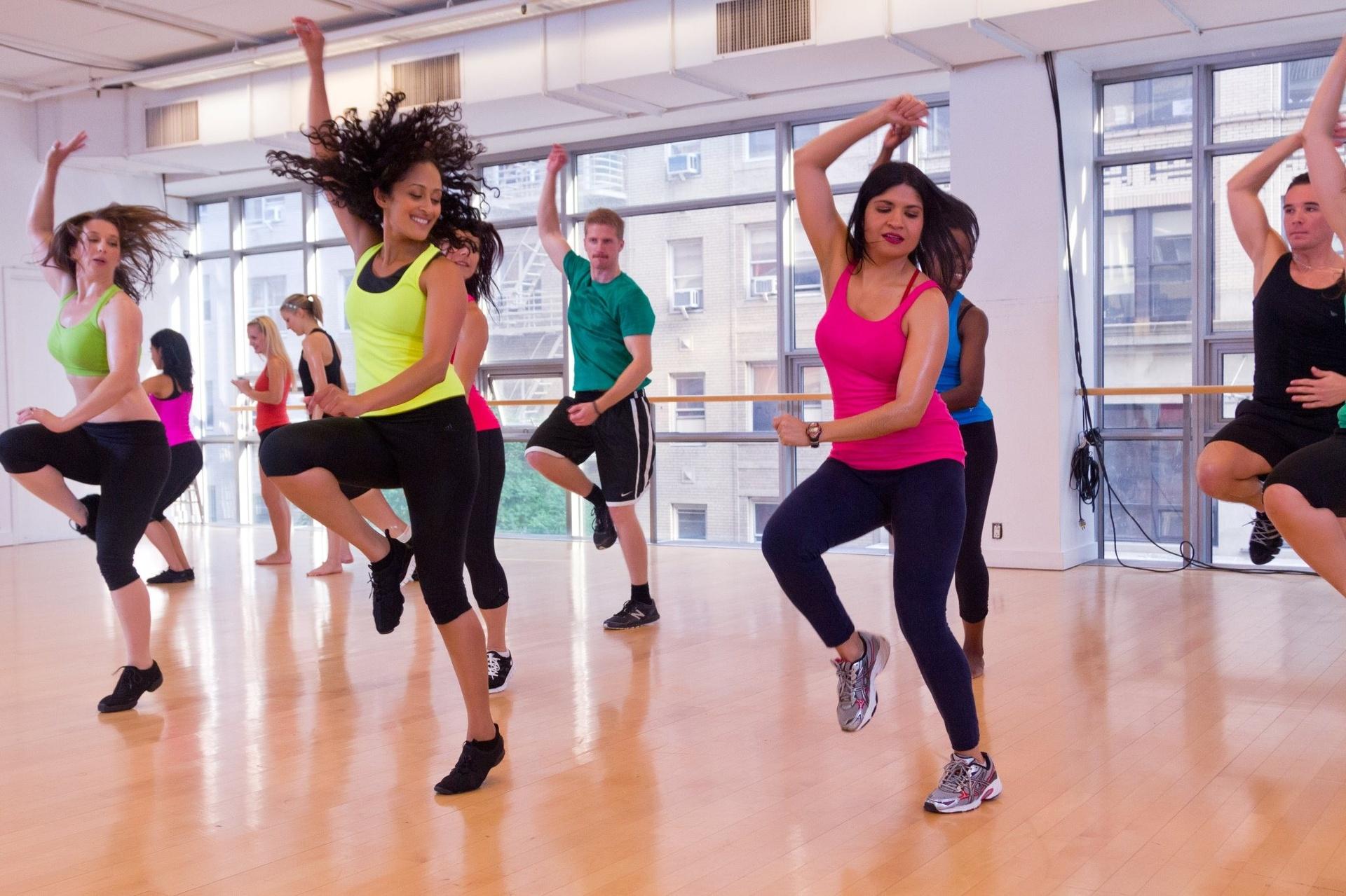 Ритмическая гимнастика — история, особенности, упражнения