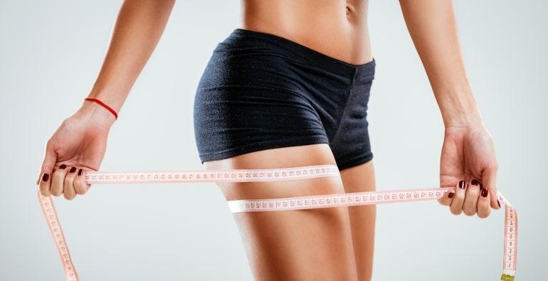 Причины появления жира на бедрах