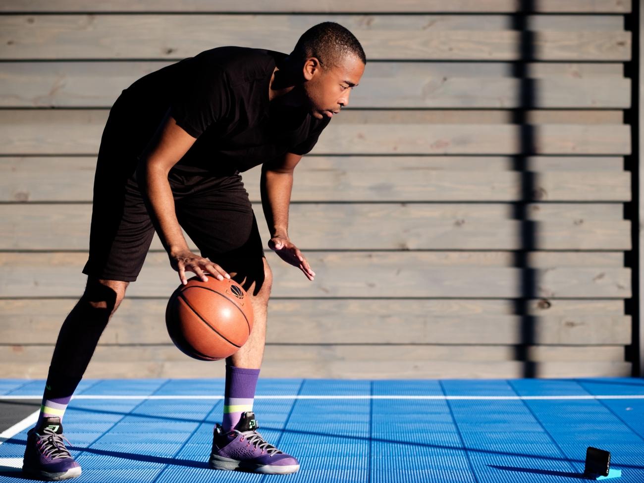 Упражнения с баскетбольным мячом