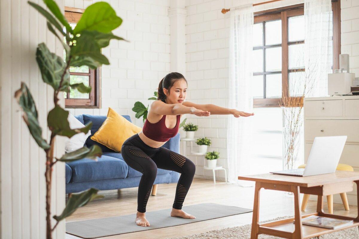 Зарядка для женщин: лучшие упражнения