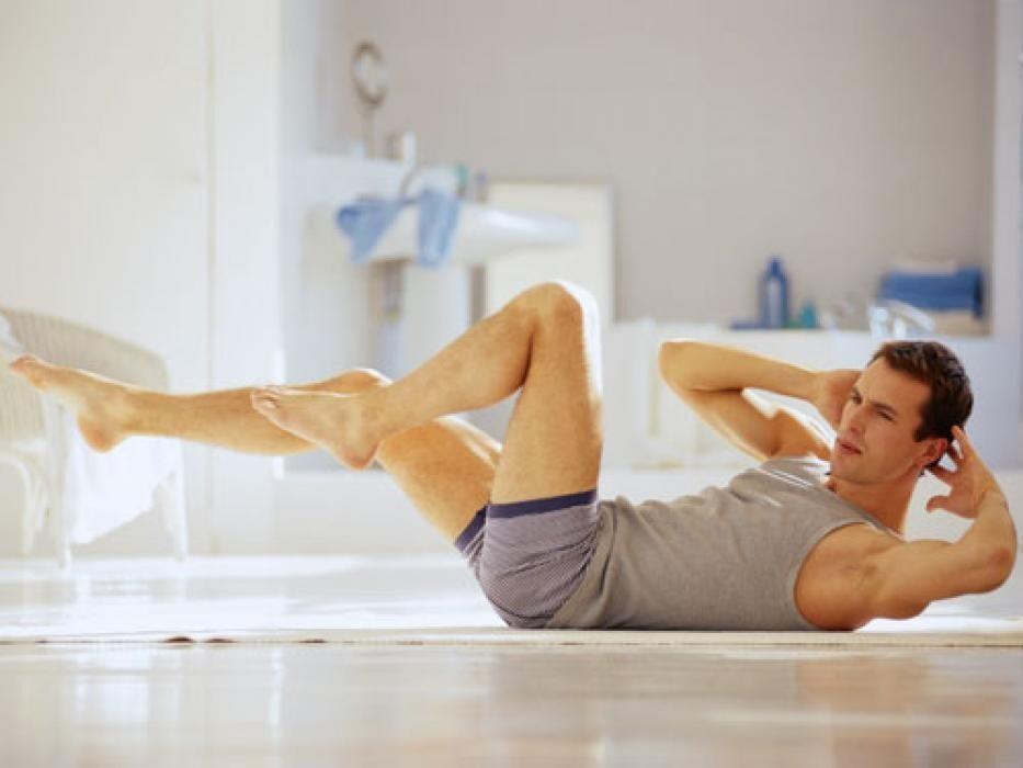 Утренняя силовая зарядка для мужчин в домашних условиях