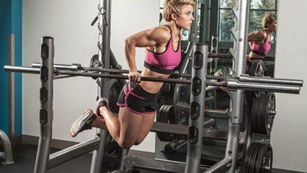 Как девушке накачать пресс на брусьях: лучшие упражнения