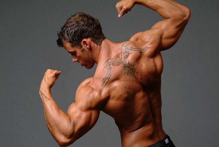 Как накачать плечи в зале упражнения