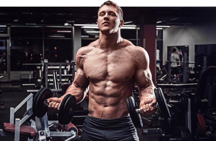 накачать мышцы рук мужчине