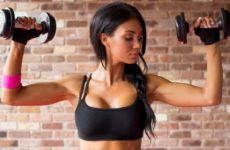 Как накачать руки гантелями: лучшие упражнения для женщин в домашних условиях