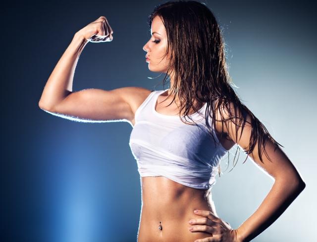 Как накачать бицепс девушке - комплекс эффективных упражнений
