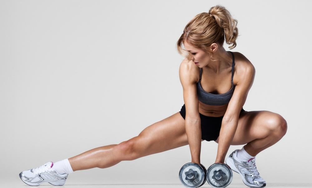накачать мышцы рук женщине